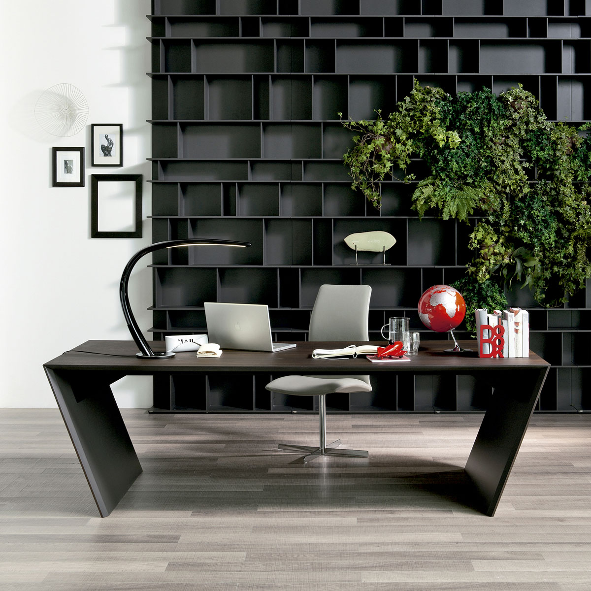 bureau design de luxe en inox idkrea collection rennes bretagne. Black Bedroom Furniture Sets. Home Design Ideas