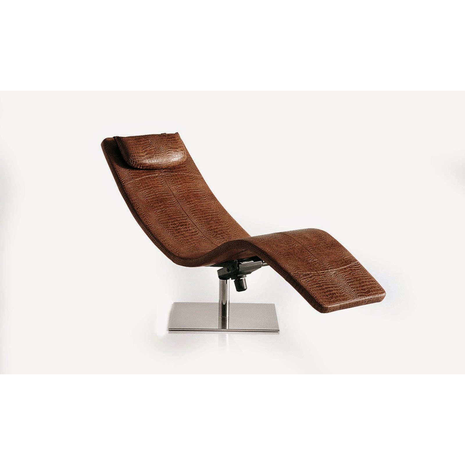 Chaise de luxe design chaise m tal simili cuir ancien for Chaise longue design jardin